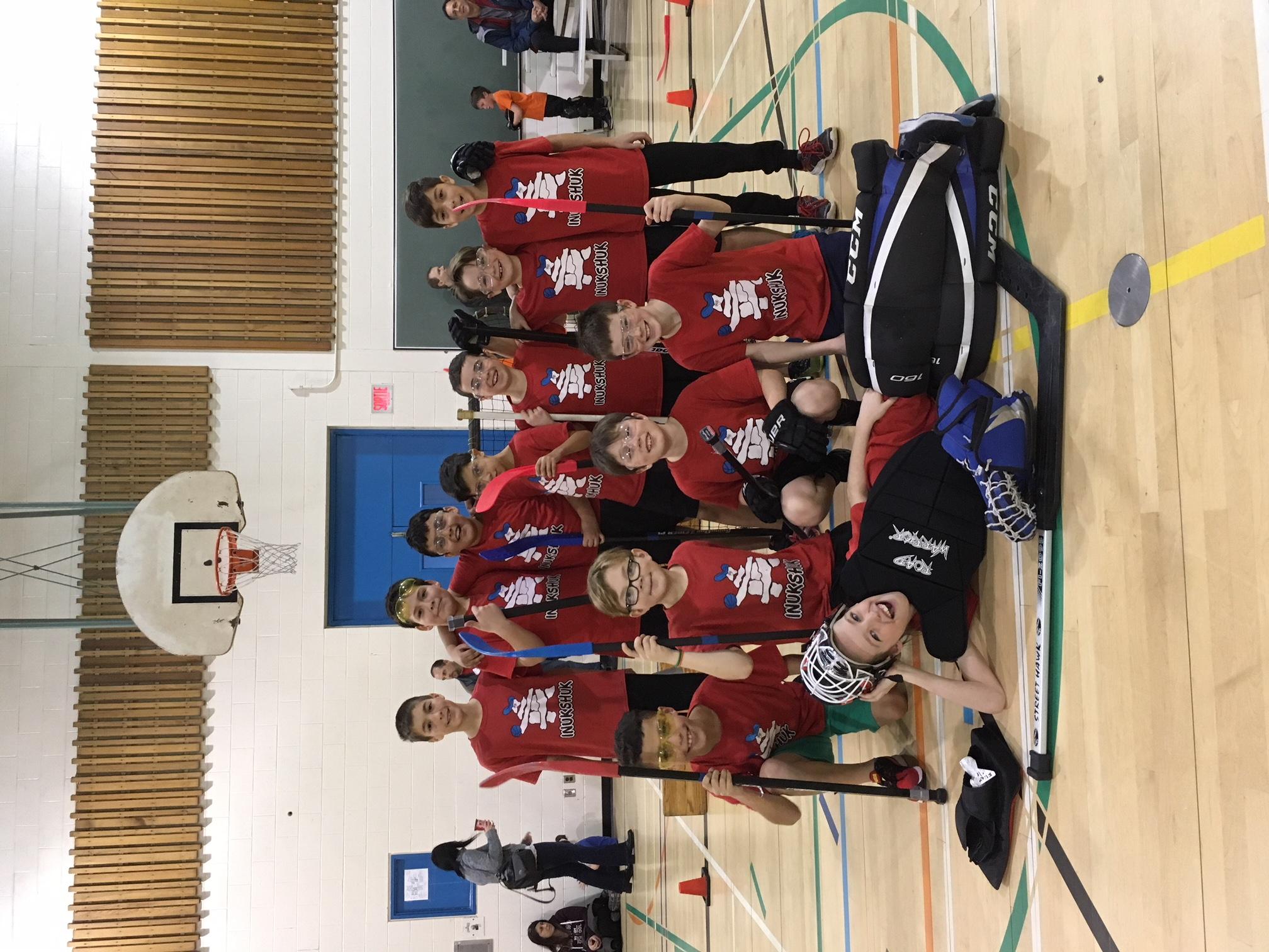 4 équipes participent au Festival de Hockey Balle de la CSVDC !